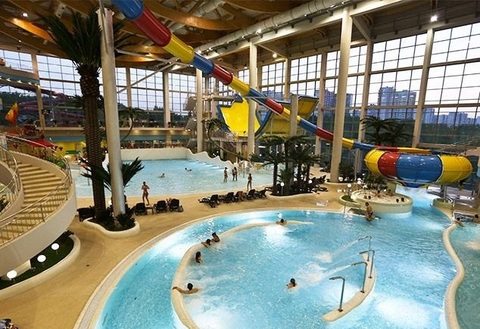Верхнее освещение крытых бассейнов и аквапарков