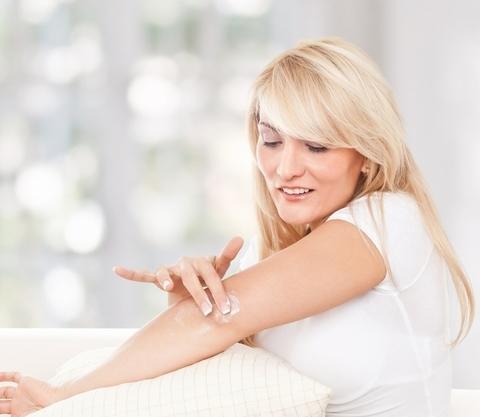 Что выдает возраст женщины