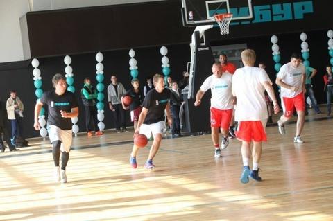 Eaglesports помог  CИБУРу и NBA реконструировать еще одну баскетбольную площадку
