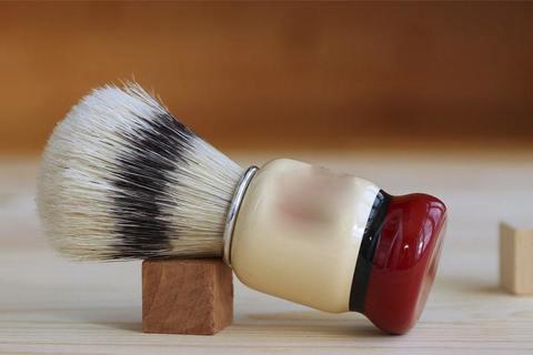 ТОП 9 преимуществ использования помазка для бритья. Или почему мужчины его недооценивают?