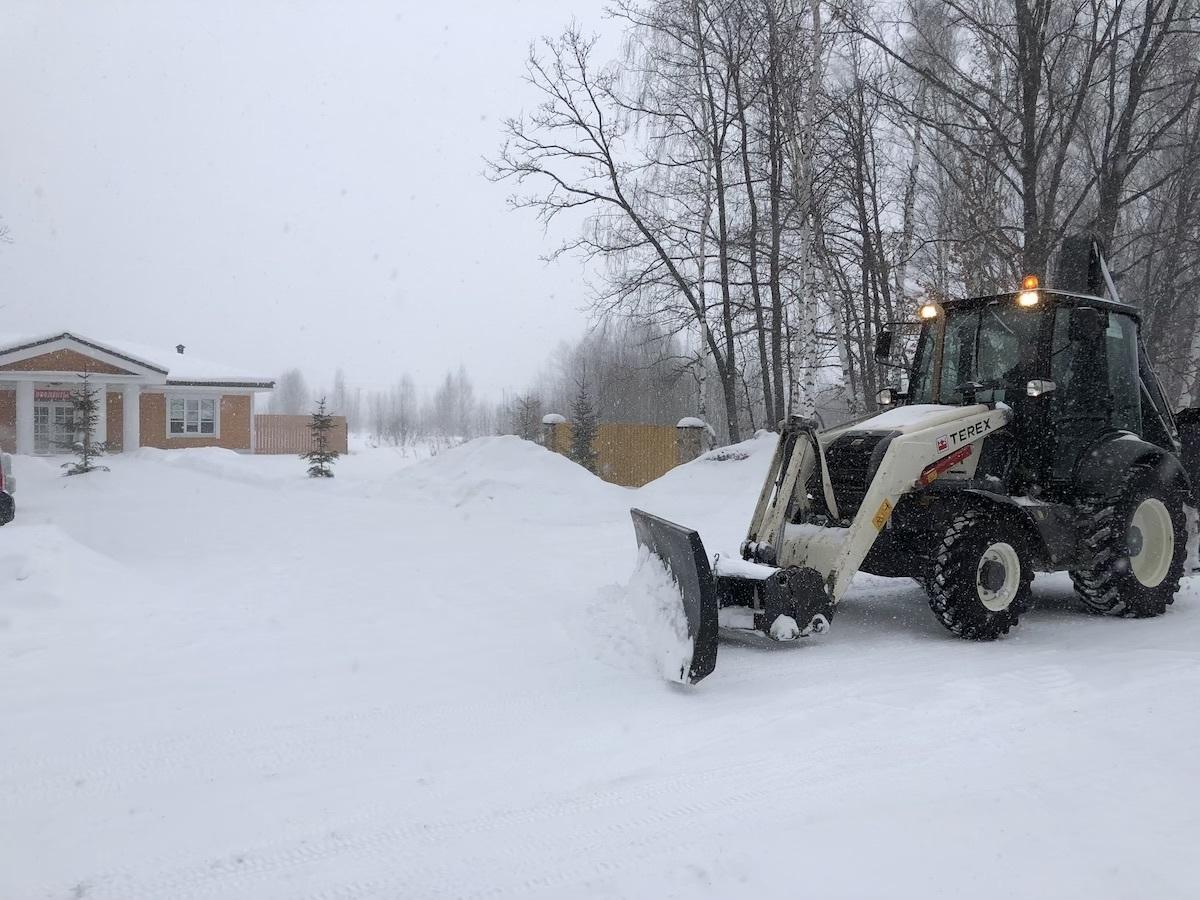 Коммунальная служба «Романовского Парка» справляется со снегопадом