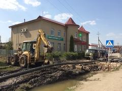 У магазина «Мой Дом» на улице Поленова в поселке Заокском ведется строительство дренажа