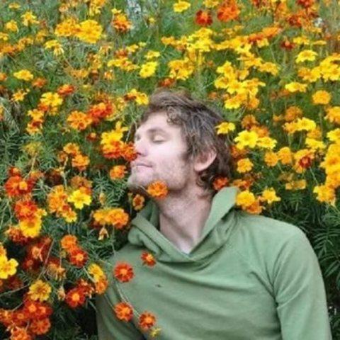 Мужчины тоже любят цветы!