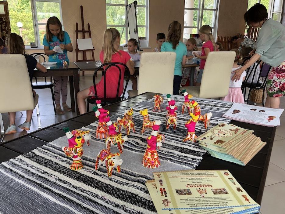 Программа «Филимоновская глиняная игрушка» в «Романовском Парке». Фото и видео