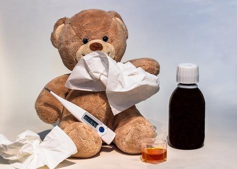 4 естесственных способа облегчить жар у ребёнка