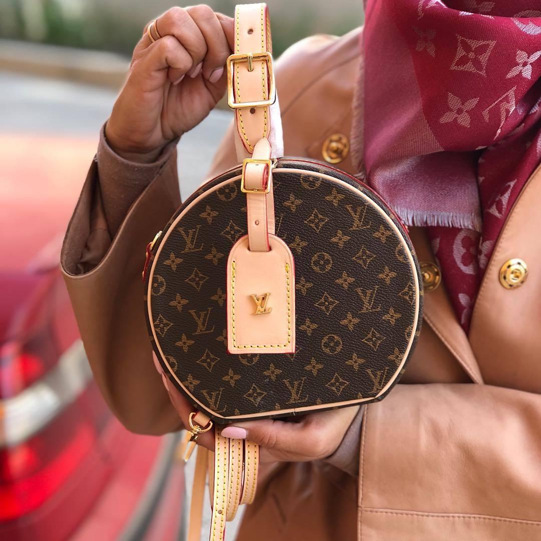 Почему стоит покупать брендовые сумочки именно у нас?