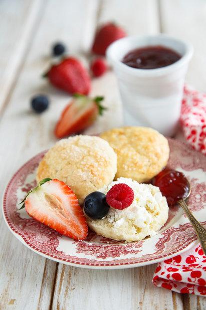 Булочки к завтраку на простокваше