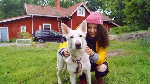 Алина с собакеном