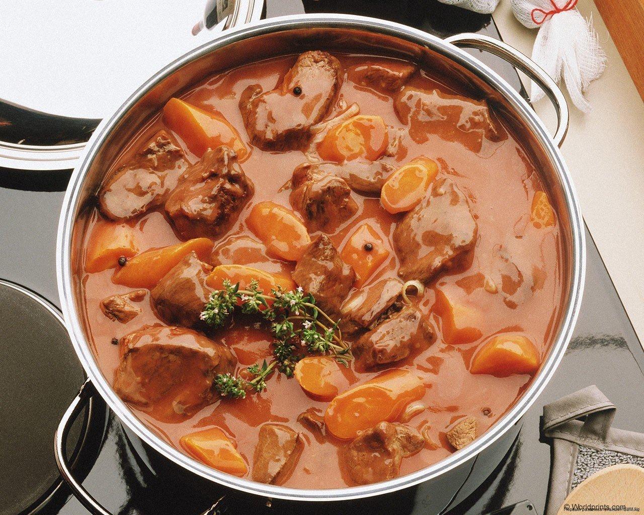 Говядина по Итальянски в томатном соусе.