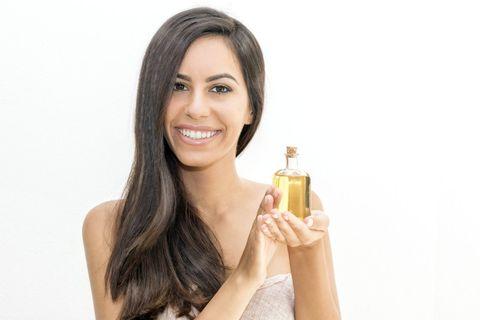 Масло жожоба, его свойства и применение в косметике.