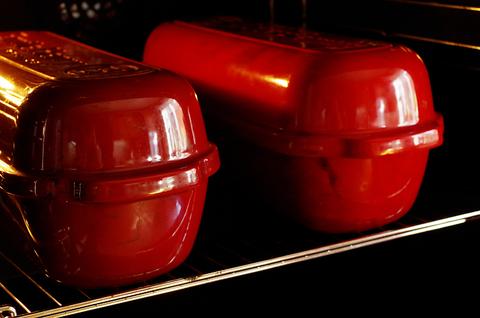 Нужно ли разогревать колпак для выпечки хлеба