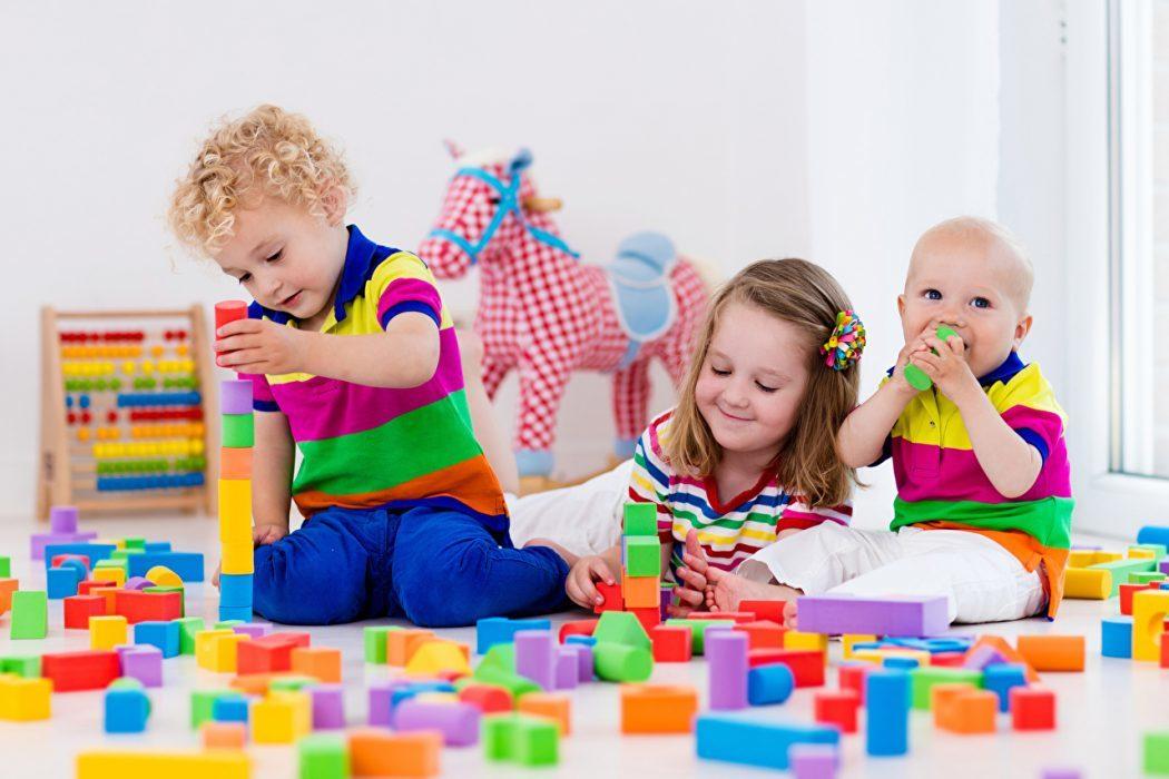 Зачем детям игрушки?