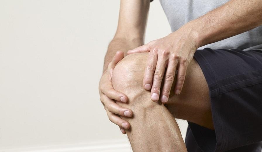 В середине цикла болит колено о работе сустава