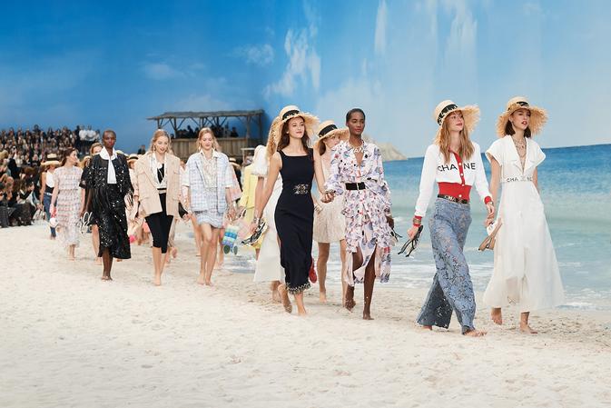 Лето не уходи! Показ Chanel весна-лето 2019