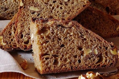 Спельтовый хлеб с грецкими орехами
