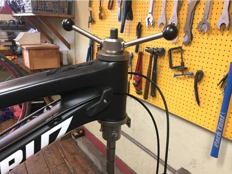 Ремонт велосипеда: Как установить рулевую