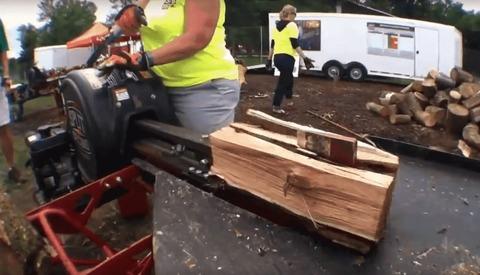 Механический дровокол как вариант решения бытовой проблемы