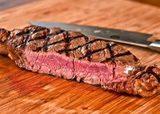 Красивые и вкусные мясные стейки с «решеткой»