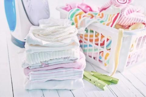 Как ухаживать за детской одеждой? Разбираем ярлычки.