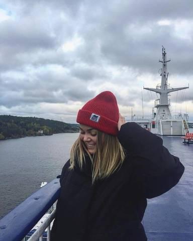 Ведь улыбка — это флаг корабля