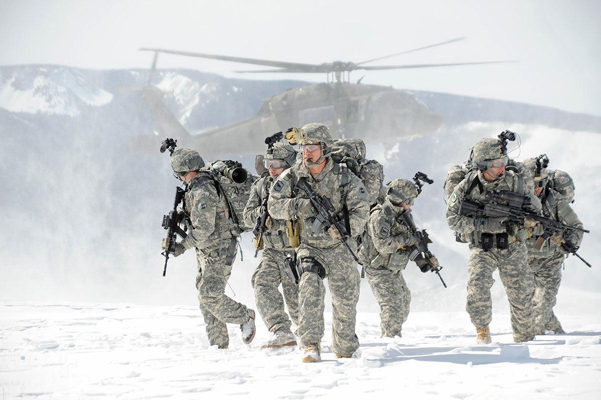 НАТО отдает предпочтение легкой экипировке