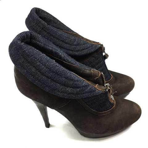 Кроссовки и эффектные босоножки Roberto Cavalli