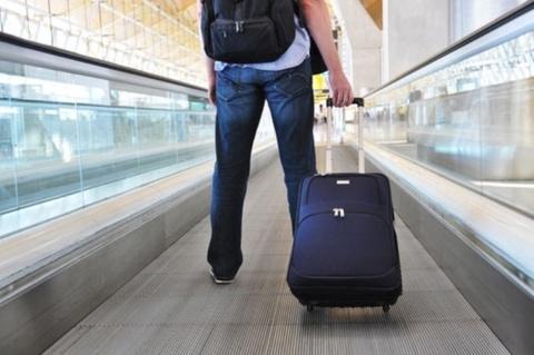 Маленькие чемоданы на колесах