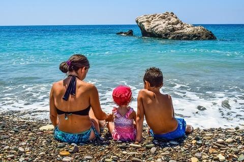 Список необходимых вещей для отдыха на море с малышом до года!
