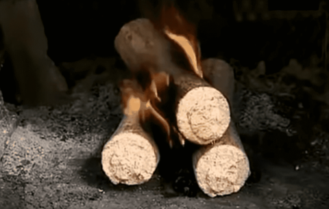 Топливные брикеты против дров, есть ли выгода?