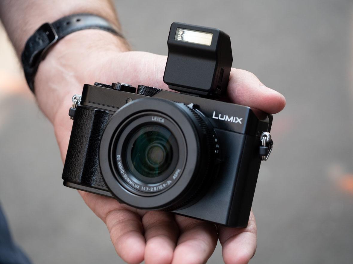 Panasonic LX100 II с флагманским датчиком