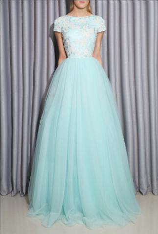 Выпускной 2016? Модные образы и платья