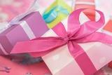Как одним подарком осчастливить себя и многих других?