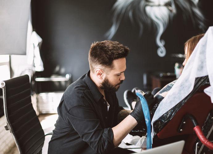 Какие стулья используют в тату-салонах