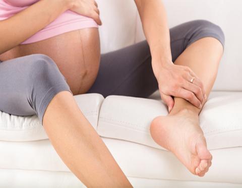 Отеки при беременности. Почему возникают и что делать