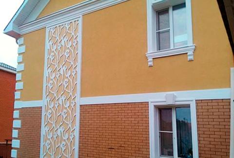 Преимущества и недостатки фасадного декора из пенопласта