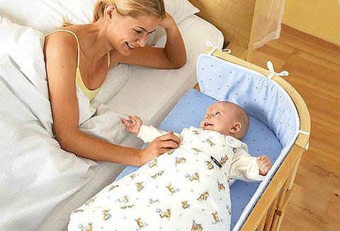 Почему малыш должен спать отдельно от родителей.