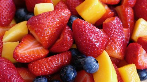 11 секретов от шеф-повара про фруктово-ягодные салаты+рецепты
