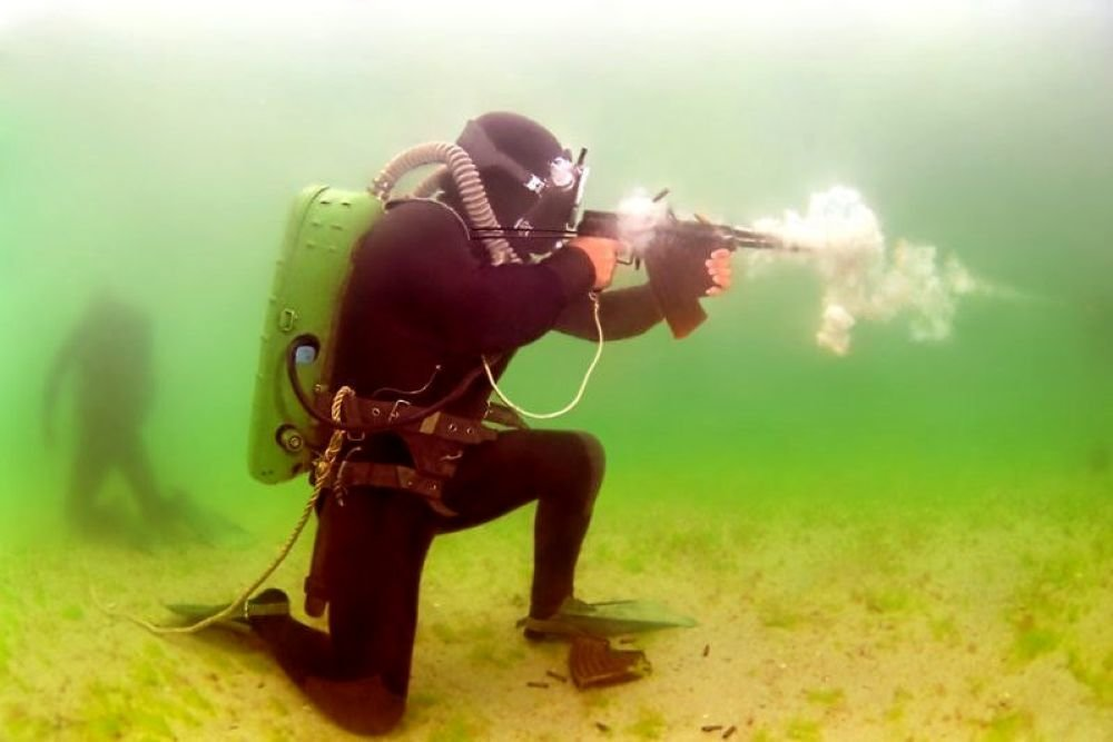 Боевые пловцы охраняют Каспий