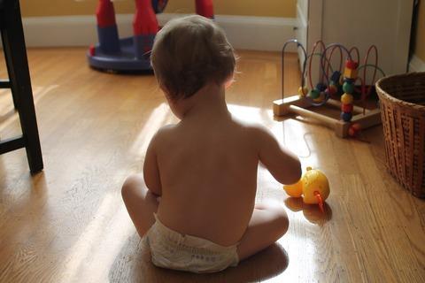 Как сделать дом безопасным для малыша? Советы и аксессуары для родителей