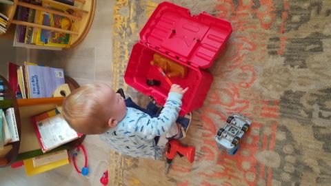 Что делать, если ребёнок отказывается убирать игрушки?
