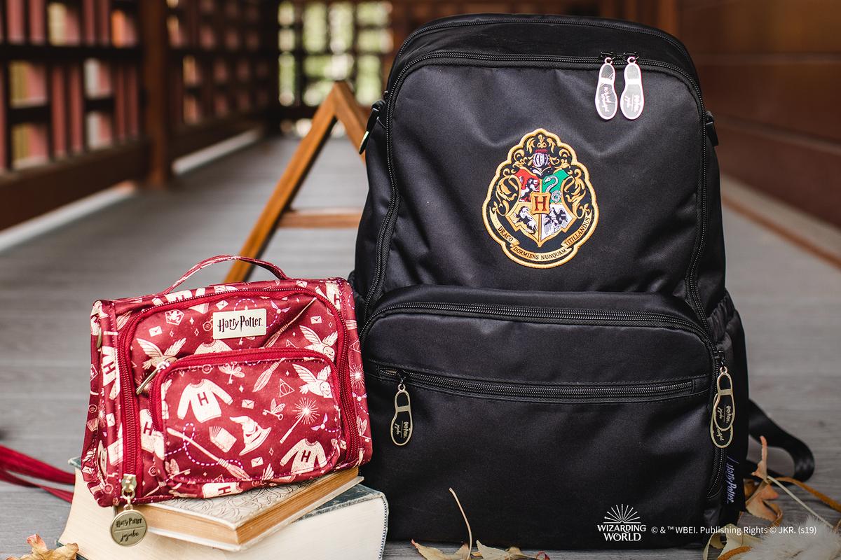 Это двойная магия с двумя новыми приключениями в JuJuBe | Harry Potter ™ ️ совместная работа! Комбинируй и комбинируй Hogwarts ™ ️ Essentials и Mischief Управляемый для полного стильного приключения!
