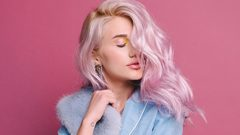 Topical clothing styles for pink hair