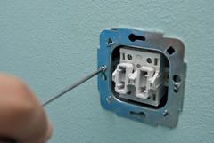 Установка выключателей, розеток, и датчиков