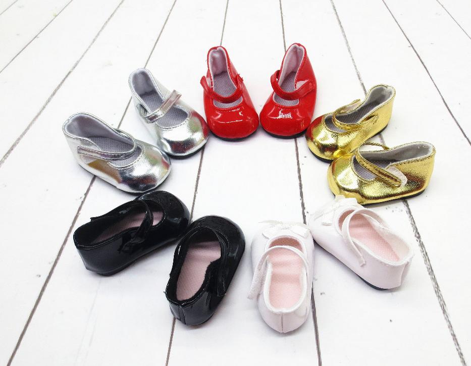 Взуття для ляльок