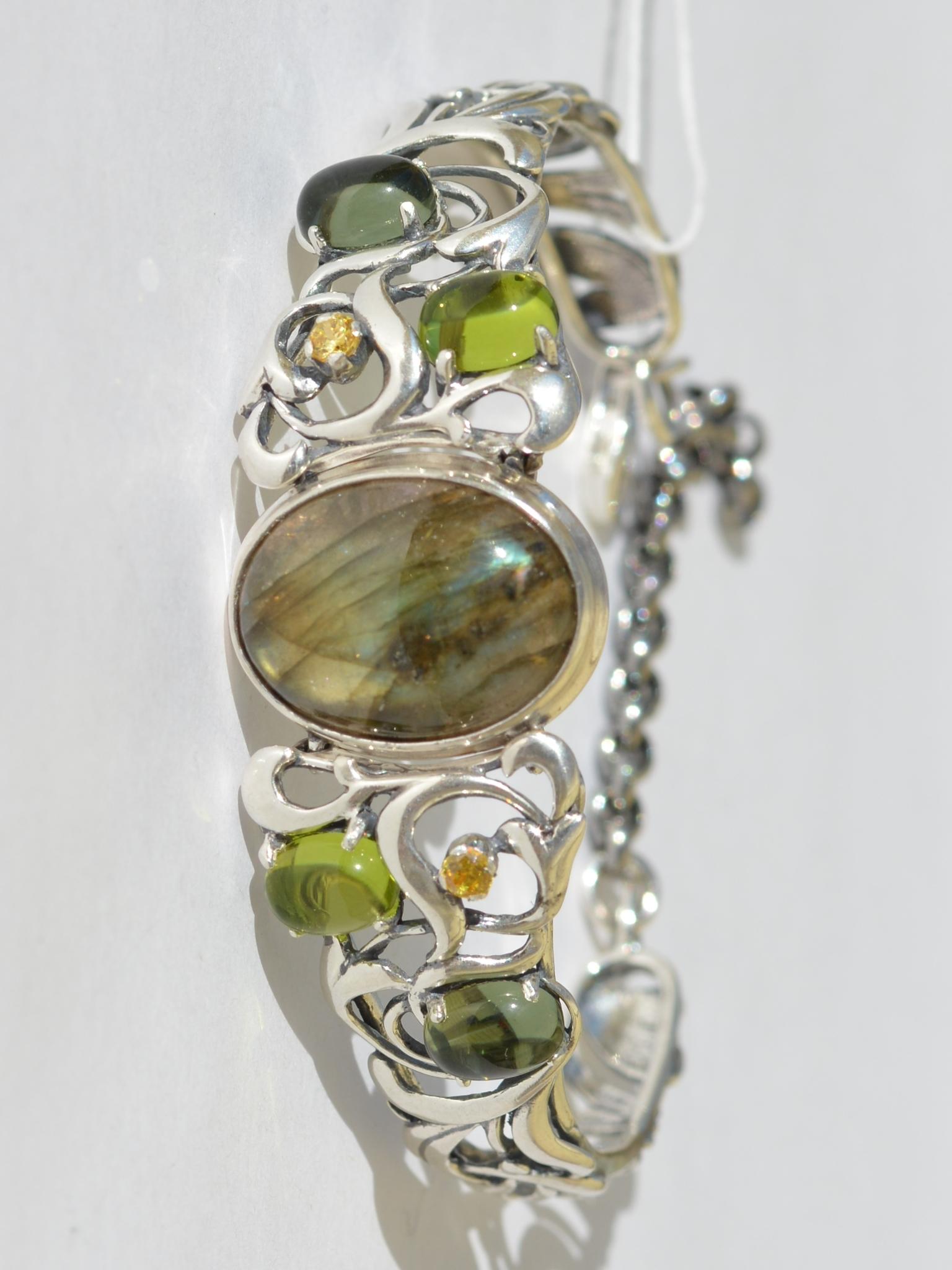 Серебряные жесткие браслеты