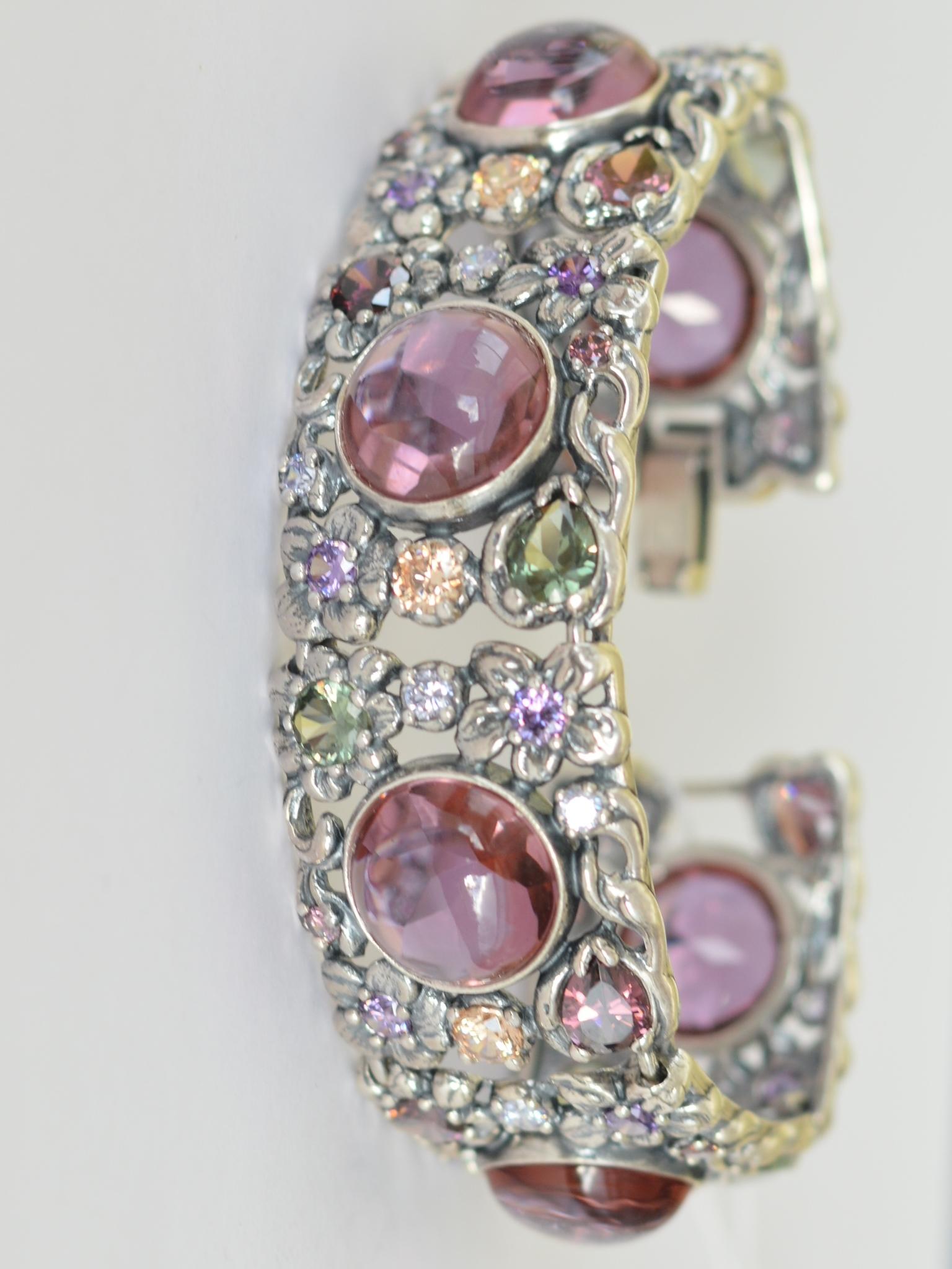 Серебряные браслеты с камнями