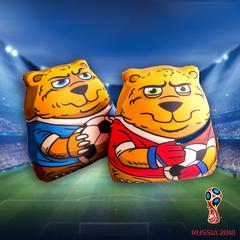 Подушка-игрушка антистресс «Медведь-вратарь» 5
