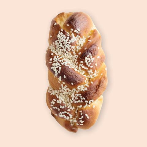 Булочка медовая с орехами