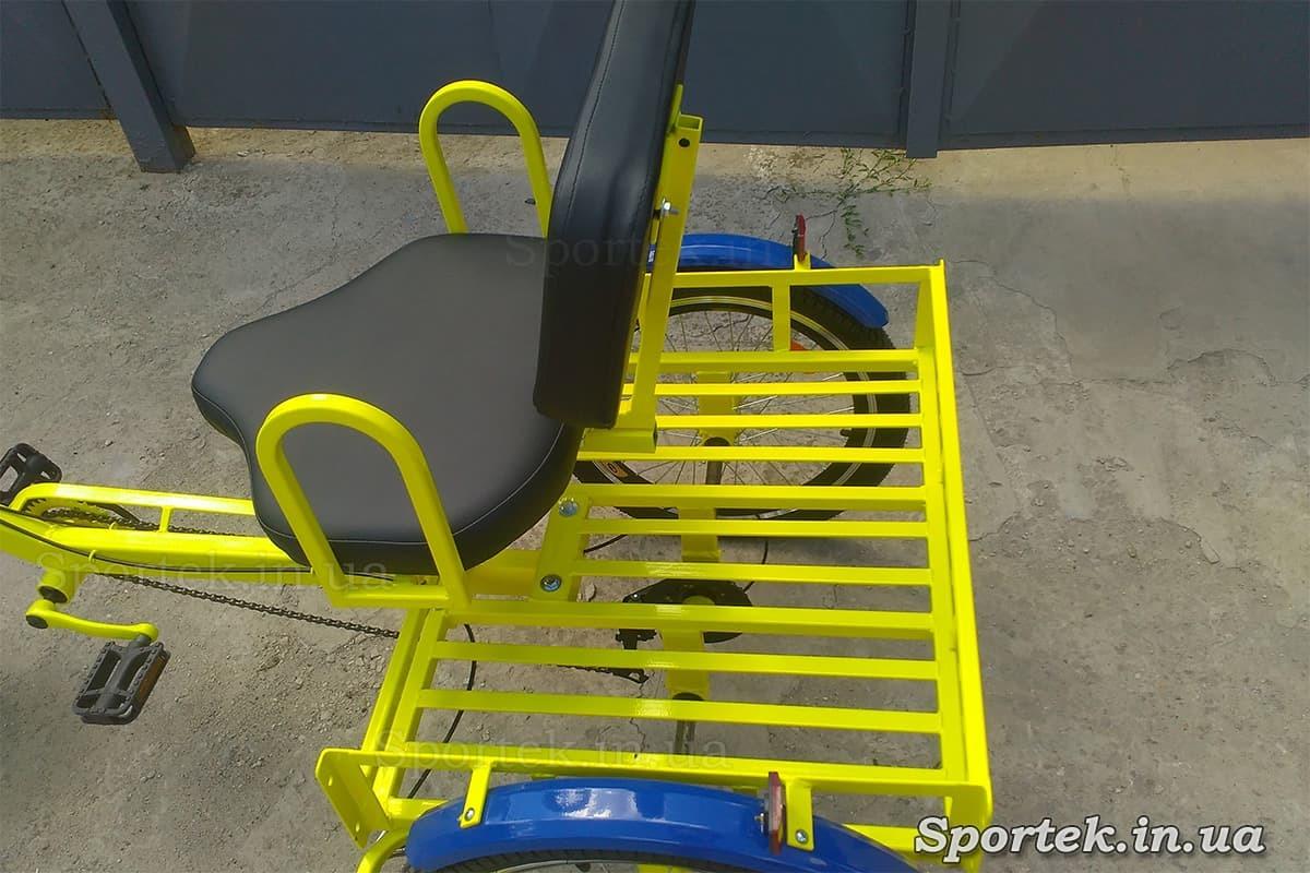 Сидение и грузовая платформа на трехколесных велосипедах 'Атлет' (Желтый)