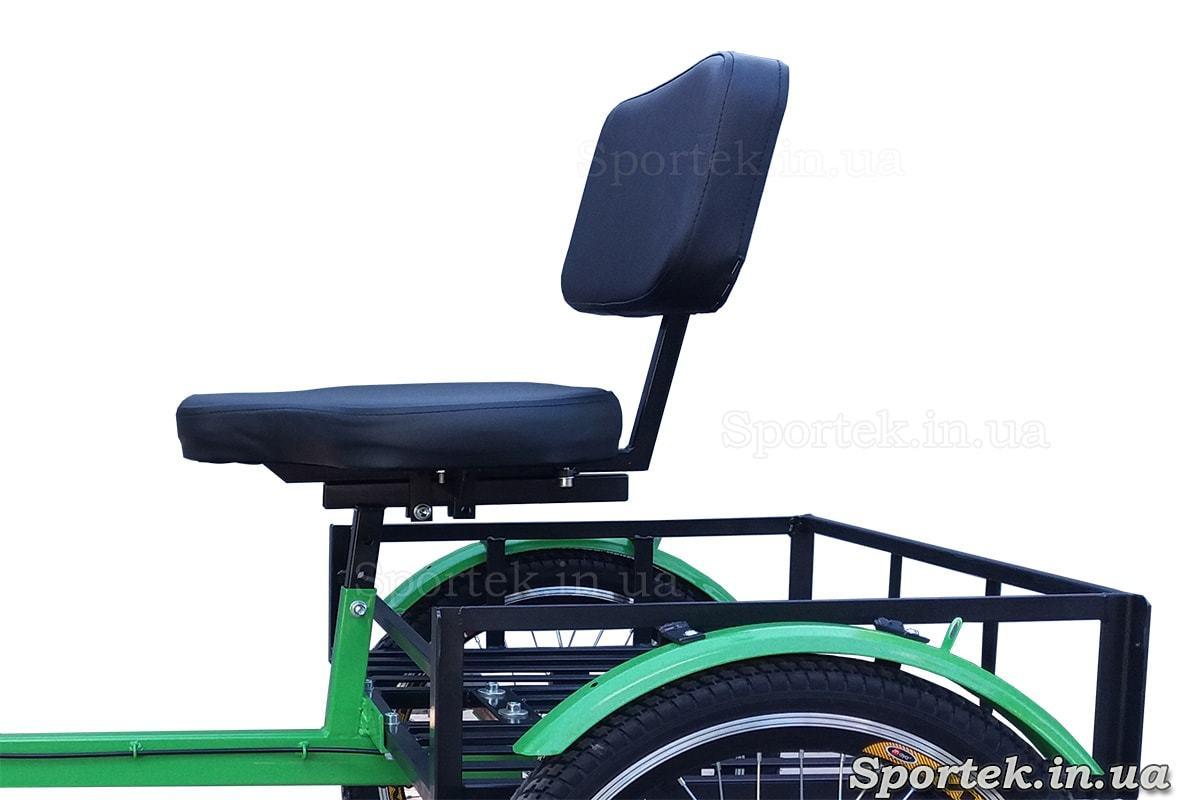 Сидение и грузовая платформа на трехколесных велосипедах 'Атлет' (зеленый}